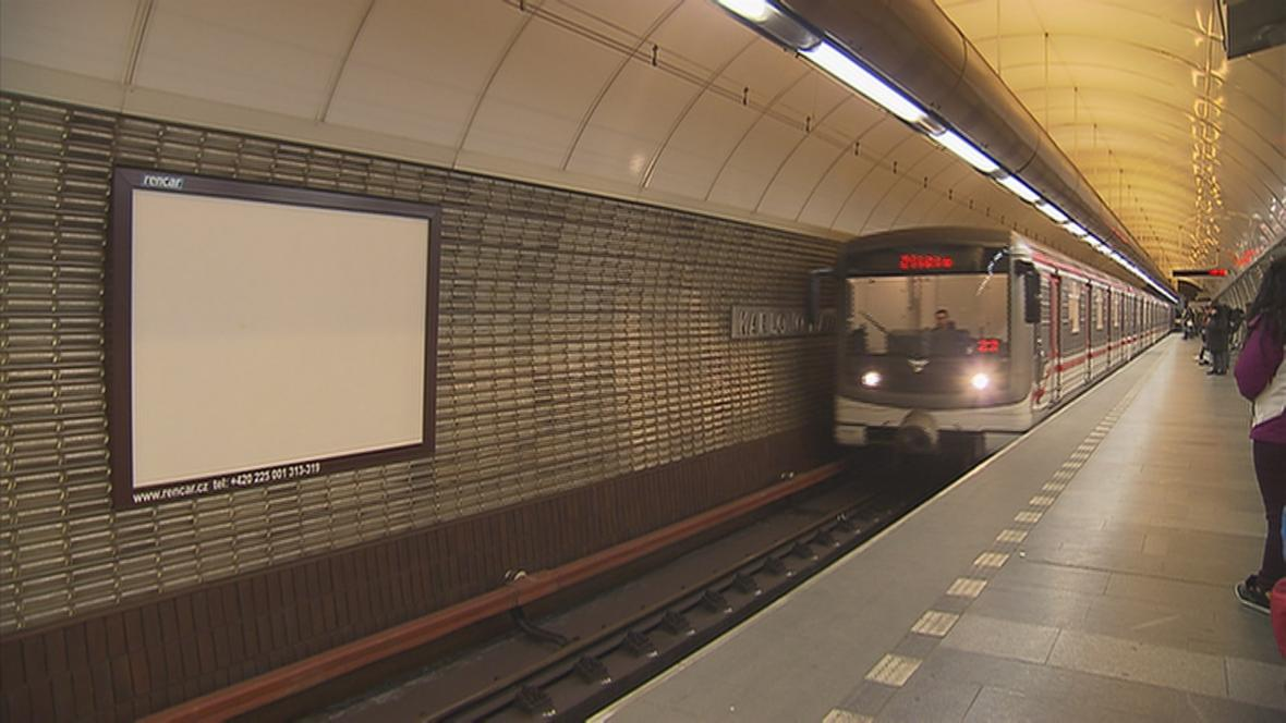 Reklamní plocha Rencaru v pražském metru