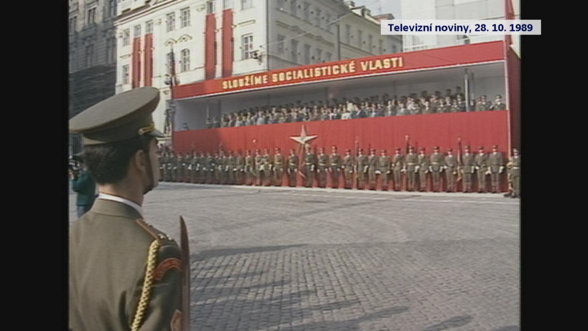 Přísaha vojáků 28. října 1989 na Václavském náměstí