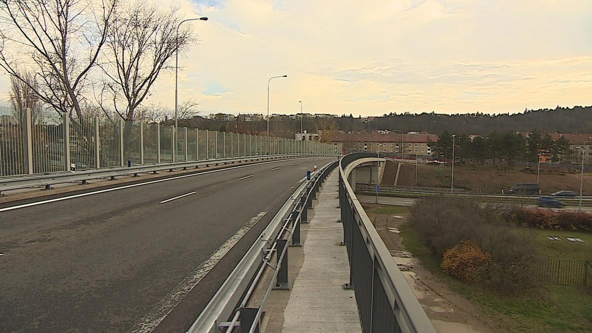 Most v Kníničské ulici v Brně