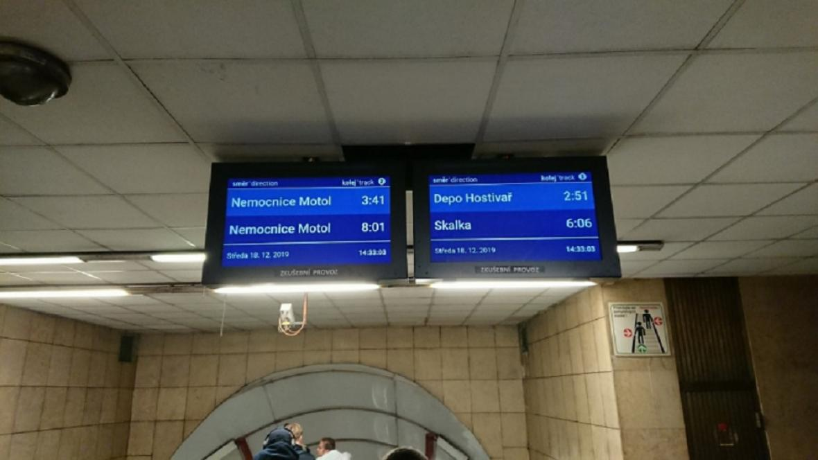 Informační tabule v metru