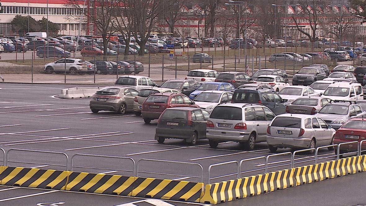 Parkoviště v Brně-Líšni