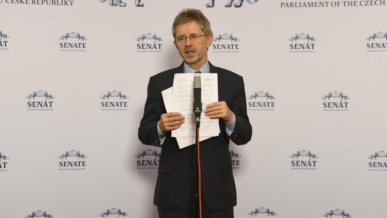 Předseda Senátu Vystrčil na tiskové konferenci