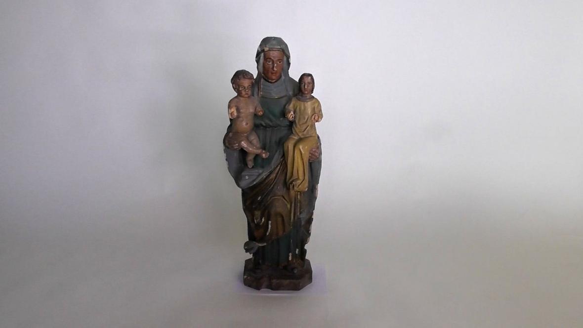 Socha svaté Anny Samotřetí