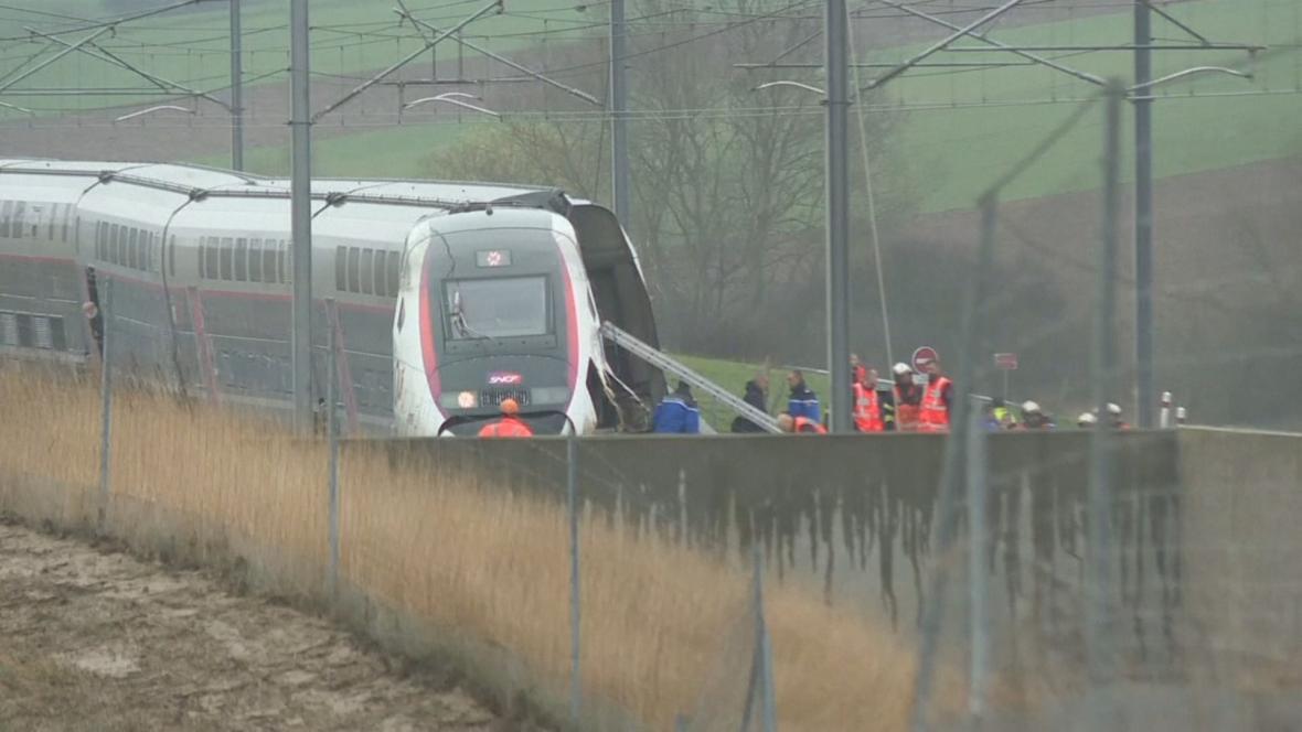 Vykolejený vlak TGV u Štrasburku