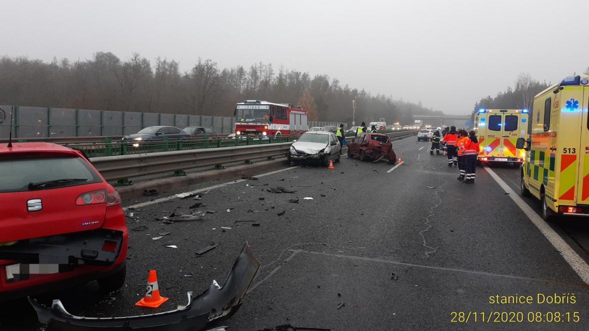 Hromadná nehoda na D4