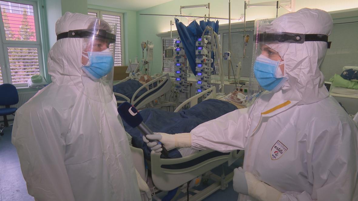 O covidu teď nejemotivněji mluví zdravotníci