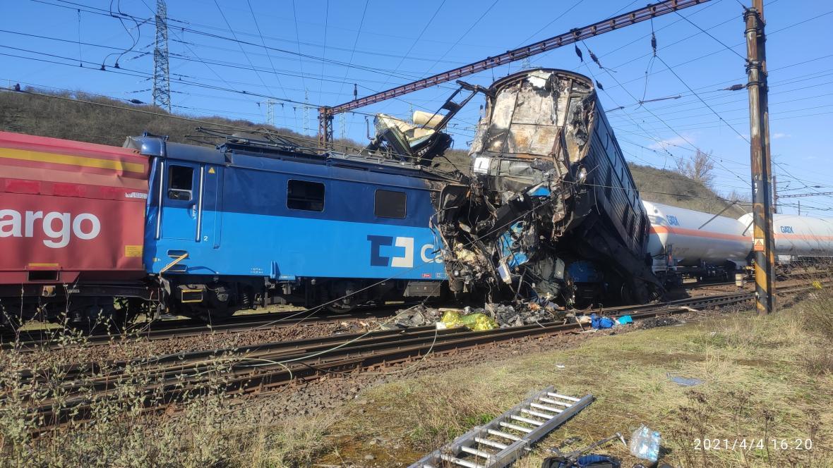 Nehoda dvou nákladních vlaků na Teplicku