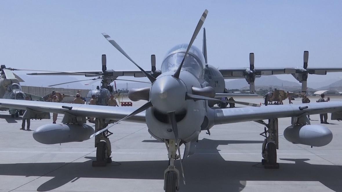 Uzbekistán sestřelil afghánský letoun