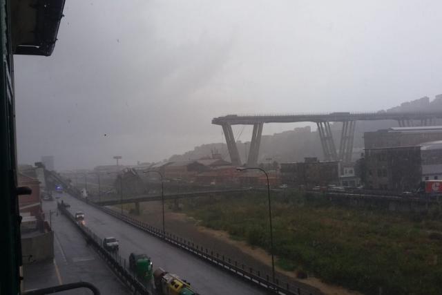 Zřícený most u Janova