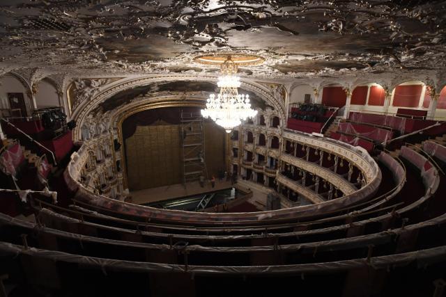 Státní opera v závěru rekonstrukce