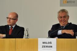 Premiér Bohuslav Sobotka a prezident Miloš Zeman