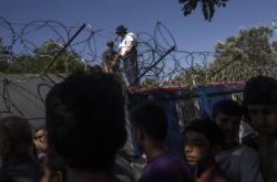 Uprchlíci na maďarsko-srbské hranici