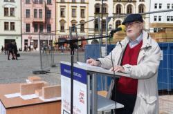 Čtení jmen obětí holocaustu