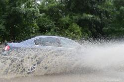 Auto ve vodě