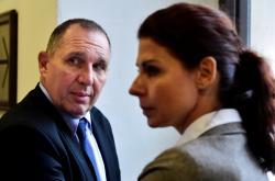 Petr Kott a Kateřina Kottová (dříve Pancová) u krajského soudu v Praze