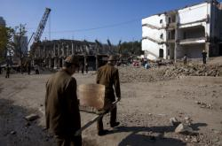 Stavba, kterou zajišťuje severokorejská firma Mansudae