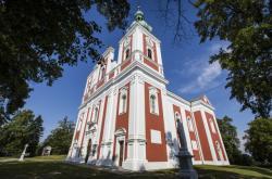 Poutní areál s kostelem Panny Marie Sedmibolestné a Povýšení svatého Kříže na Cvilíně
