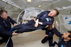 Stephen Hawking ve stavu beztíže