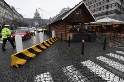 Bezpečnostní zátarasy na Václavském náměstí