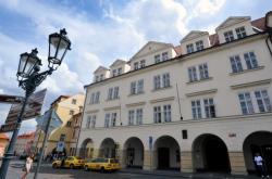 Dům na Loretánském náměstí, kde má sídlit Knihovna Václava Havla