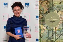 Olga Tokarczuková s mezinárodní Man Bookerovo cenou
