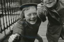 Dvě na mostě, 1959