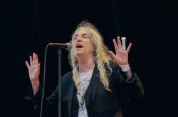 Zraněná Patti Smith si na Flow nezahrála