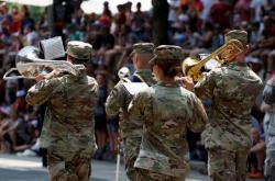 Trump odložil velkolepou vojenskou přehlídku