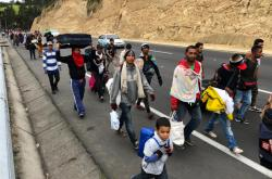 Venezuelští běženci na hranici s Ekvádorem