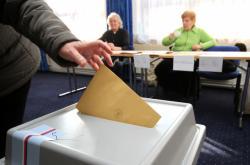 Voliče čeká další rozhodování