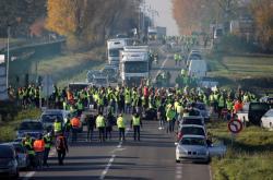 Blokáda silnice v Haulchinu na severu Francie