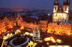 Staroměstské náměstí s vánočními trhy