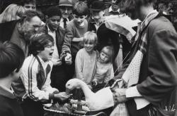 Děti s husou, Covent Garden, Londýn, 1984
