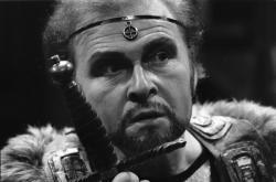 Luděk Munzar jako Jarlo Skule ve hře Nápadníci trůnu, 1978