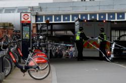 Policie uzavřela okolí stanice Waterloo v Londýně