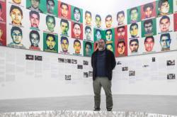Aj Wej-Wej s portréty zmizelých studentů