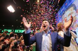 Volodymyr Zelenskyj oslavuje volební vítězství