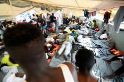 Migranti na lodi Sea-Watch 3