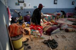 Středisko pro migranty poničené náletem