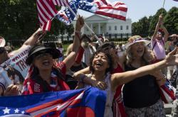 Stoupenci Trumpa před Bílým domem