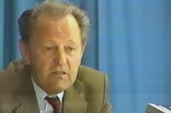 Miloš Jakeš při projevu na Červeném Hrádku