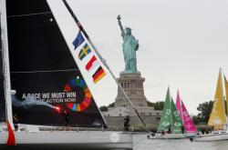 Plachetnice s Gretou Thunbergovou dorazila do New Yorku