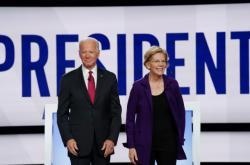 Joe Biden a Elizabeth Warrenová