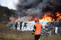 Požár skládky v Sedlčanech