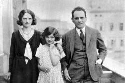 Karel Poláček s rodinou