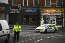 Policie na místě incidentu v londýnské čtvrti Streatham