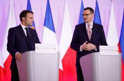 Prezidenti Emmanuel Macron a Andrzej Duda