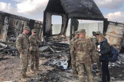 Poničená americká základna Ajn al-Asad v Iráku po íránském útoku