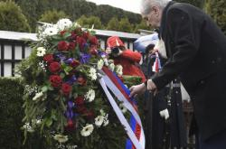 Prezident Miloš Zeman pokládá věnec k hrobu T.G. Masaryka