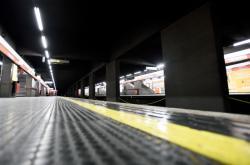 Prázdné milánské metro